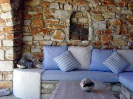Foto 2 Neubauhaeuser aus Naturstein auf Paros/Griechenland