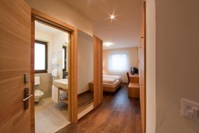 Foto 13 Neue Design Appartements in Südtirol im Aparthotel Alagundis bei Meran