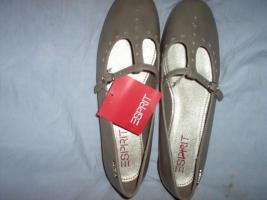 Neue Schuhe von ESPRIT