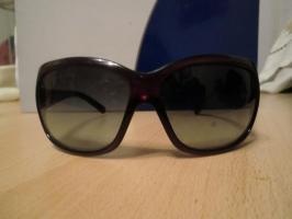 Neue Sonnenbrille von Prada!Wenig getragen, wie neu!Mit Hartschalenetui!Original!!!