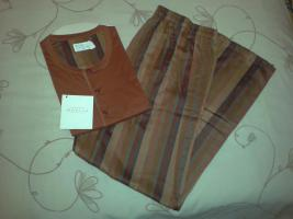 Foto 2 Neuer, original verpackter Pyjama in Gr.: 56 von Novila, NP 119,00 EUR