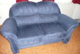 Neuwertige 2 Sitzer Couch