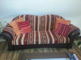 Neuwertige Couch & Sessel