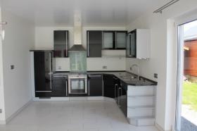 Foto 2 Neuwertige Einbauküche im eleganten schwarz