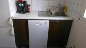 Foto 3 Neuwertige Küche (erweiterbar)