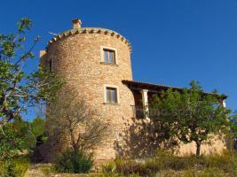 Foto 2 Neuwertige Turm Finca mit Meerblick in den Hügeln von S'Espinagar nahe Porto Colom