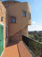 Foto 3 Neuwertige Turm Finca mit Meerblick in den Hügeln von S'Espinagar nahe Porto Colom