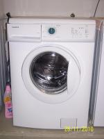 Neuwertige Waschmaschine mit Kaffeepadautomat