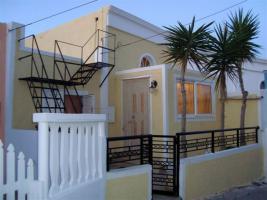 Neuwertiges Einfamilienhaus auf der Insel Santorini/Kykladen/Griechenland