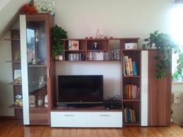 Foto 2 Neuwertiges Polsterecke +Wohnwand zu verkaufen