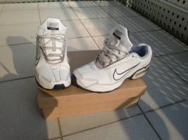 Nike Sportschuhe - AIR MAX TORCH III LEA