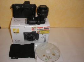 Nikon 1v1 Digitale Systemkamera neu, nur getestet günstig