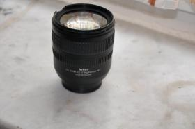 Nikon Objektiv 18 - 70 mm