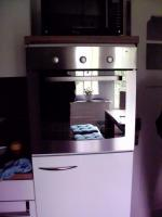 Foto 3 Nobilia Küche in glanz weiss, Whirlpool und AEG Geräte
