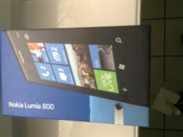 Nokia Lumina 800 ungeöffnet neu rechnunngen und unterlagen