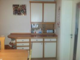 Foto 3 Nolte Einbauküche mit Tisch und 5 Stühlen