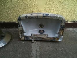 Nostalgie Waschbecken 50/60j mit Traps und Wasserhahn