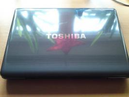 Foto 3 Notebook Toshiba Satellite P300D-136 17'' TFT TruBrite