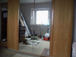 Foto 21 Nur an Selbstabholer biete Sofa Sessel, Stehlampe, Schrank, Esszimmer Tisch, Gasherd, Kleiderschrank