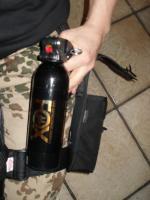 Foto 2 Obramo-Security Tierabwehr  TEST Mittel FOX große Dose mit Hüfthalterung