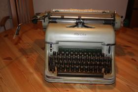 Olympia Nostalgie-Schreibmaschine
