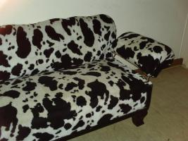 Foto 2 Oma´s Sofa in plüschiger Kuhfelloptik!!