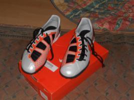 Orginal  Nike Schuhe Neu mit Original Karton