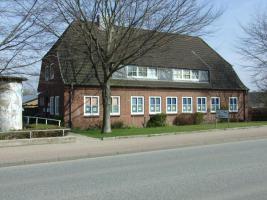 Haus mit Physiotherpie-Praxis in 24392 Süderbrarup