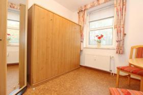 3. Schlafzimmer mit Doppelwandklappbett