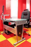 Foto 2 PC-Komplett-System mit Tisch, Sessel & Monitor