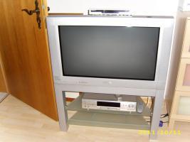 Foto 3 PHILIPS-Fernseher mit passendem TV-Tisch