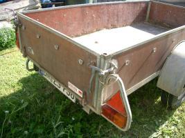 Foto 2 PKW Anhänger Westfalia offener Kasten 1Achse gebremst 680kg Zuladung