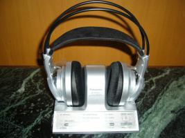 Panasonic_Digitaler Funk-Kopfhörer_30 meter rauschfreier Empfang_Extra-Bass