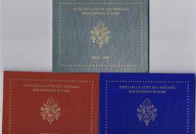 '' Papst Benedikt XVI. '' 3 Amtliche Original Vatikan Euro Kursmünzensätze 2006 , 2007 , 2008 in Stempelglanz .