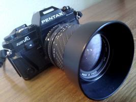 Pentax Super mit Objektiv 28-70 mm