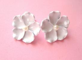 Perlenblumen Ohrstecker