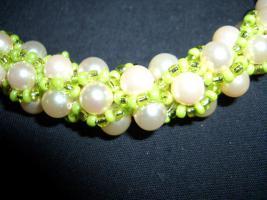 Perlenschmuck selbst gehäkelte Ketten und Armbänder