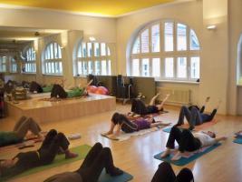 Foto 3 Personal Fitness, Bewegungsübungen, Rehasport, Wirbelsäulengymnastik, Bauchtraining, Rückentraining, Fitness, Ballett, Tanzen, Yoga, Pilates, Aerobic