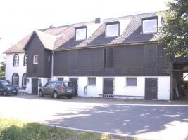 Foto 2 Pferdeimmobilie: 2FamHaus, Stall, Paddock, Weiden