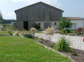 Foto 3 Pferdestall mit Weide