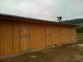 Foto 4 Pferdestall mit gr. Scheune u. Vordach m. integr. Sattelkammer
