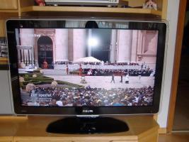 Foto 2 Philips Cineos LCD-Fernseher 37PFL9603D 94 cm