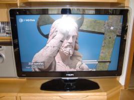 Foto 3 Philips Cineos LCD-Fernseher 37PFL9603D 94 cm