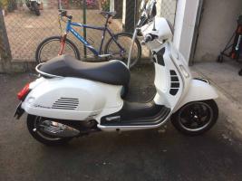Foto 2 Piaggio Vespa GTS 300