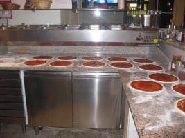 Foto 3 Pizzeria zu verkaufen, 16 Sitzplätze, Original Steinofen