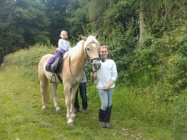 Foto 4 Ponyreiten ''Kleine Hufe'' in Remscheid
