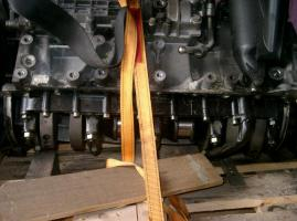 Foto 2 Porsche 944 Turbo Motorblock (muß überholt werden)