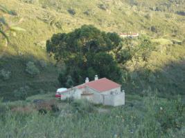 Portugal 4,95 ha Land mit 80 qm Haus