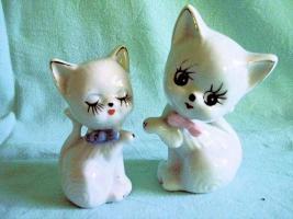 Porzellan Figuren Katzen 2er Set, Tiere, Setzkastenfiguren