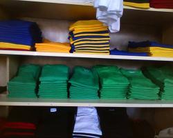 Foto 2 Posten Neuware T-shirts